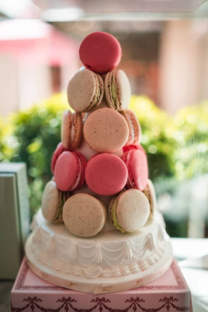 macarons wedding desert table idea