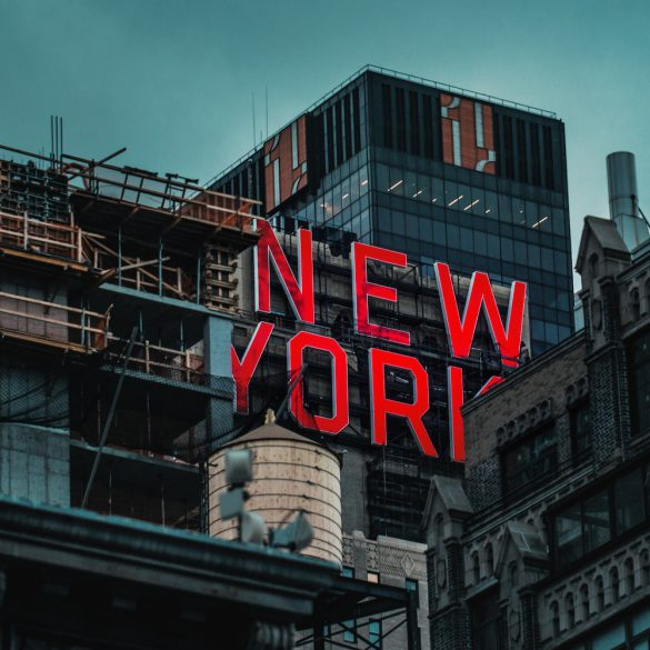 new york city sign and engagement photo locations